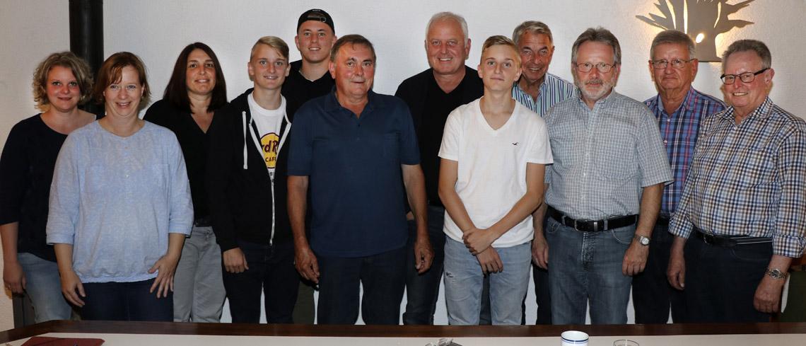 Spende von Volksbank-Chef: 5.000 Euro für das »Aktive Dorf Leutesheim«