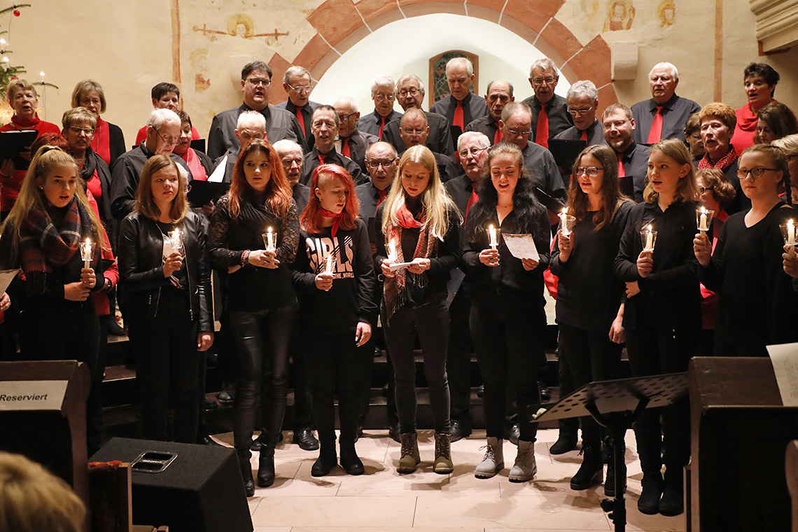 Sängerbund begeistert mit Kirchen-Adventskonzert