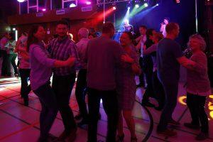 Heiterer Tanzabend in Leutesheim
