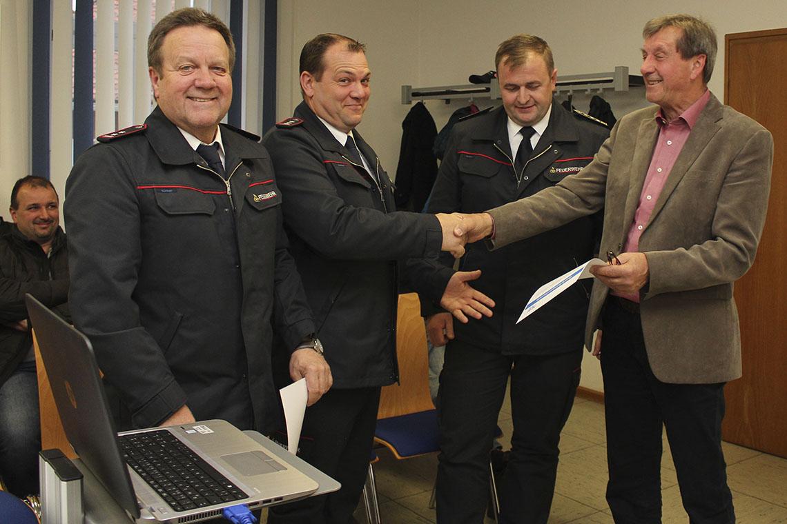 Bestellungs-Urkunden für »Litzmer« Feuerwehr-Chef und Stellvertreter