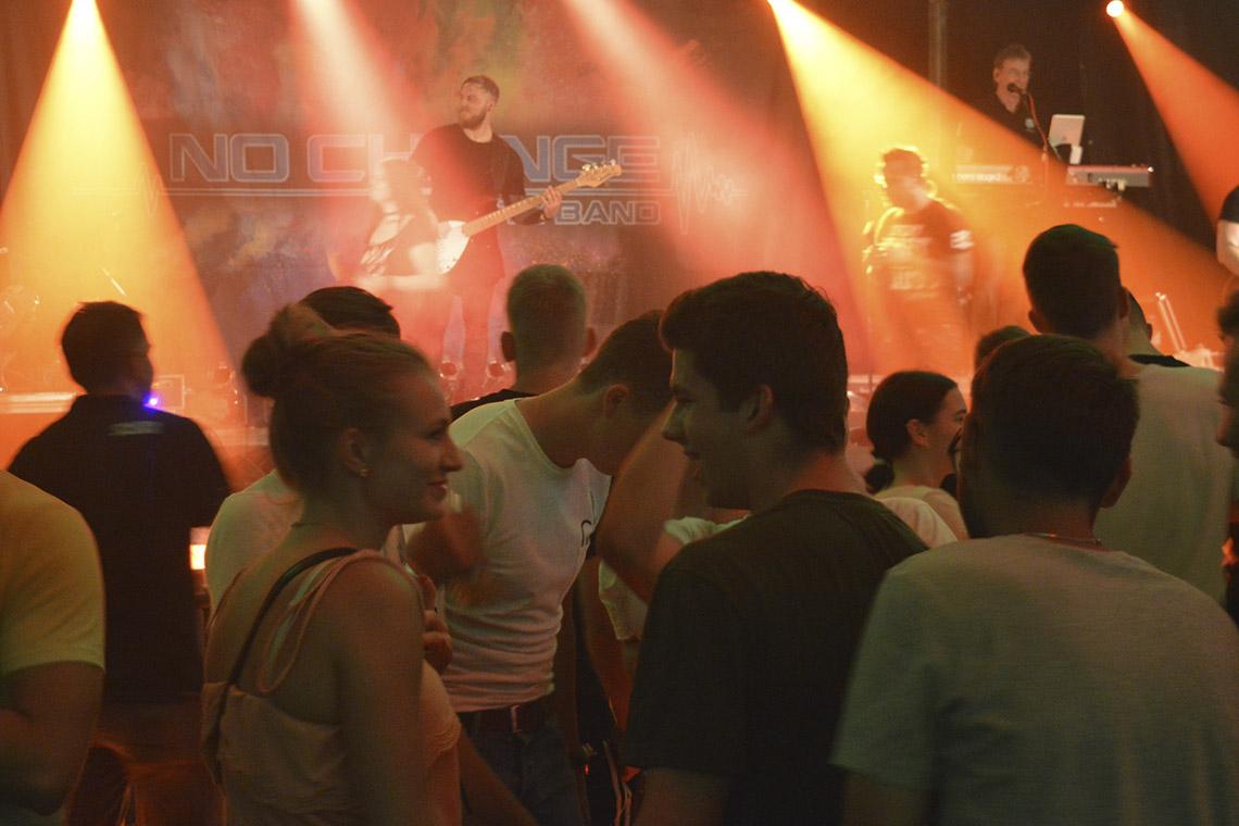 Ausgelassene Partystimmung beim Sportfest Litze