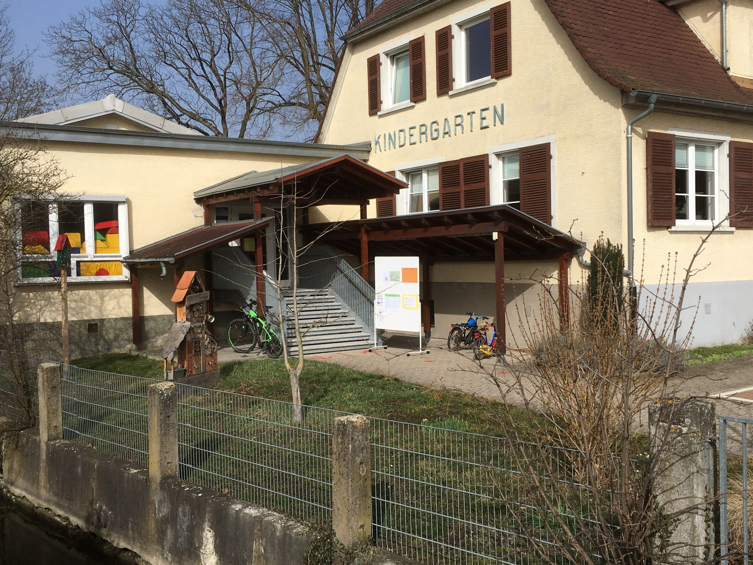 Kindergarten – Warteliste für verlängerte Öffnungszeiten